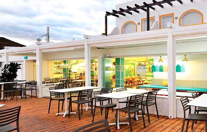 Claves para elegir los componentes de la terraza de un bar for Sillones de terraza baratos