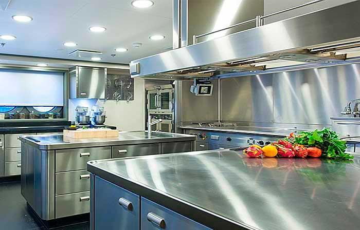 El acero inoxidable y el mobiliario de cocina Articulos de cocina de acero inoxidable